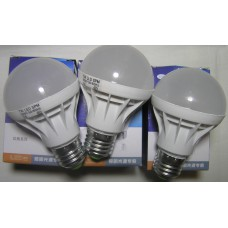 Daylight E27 7W t  led холодный